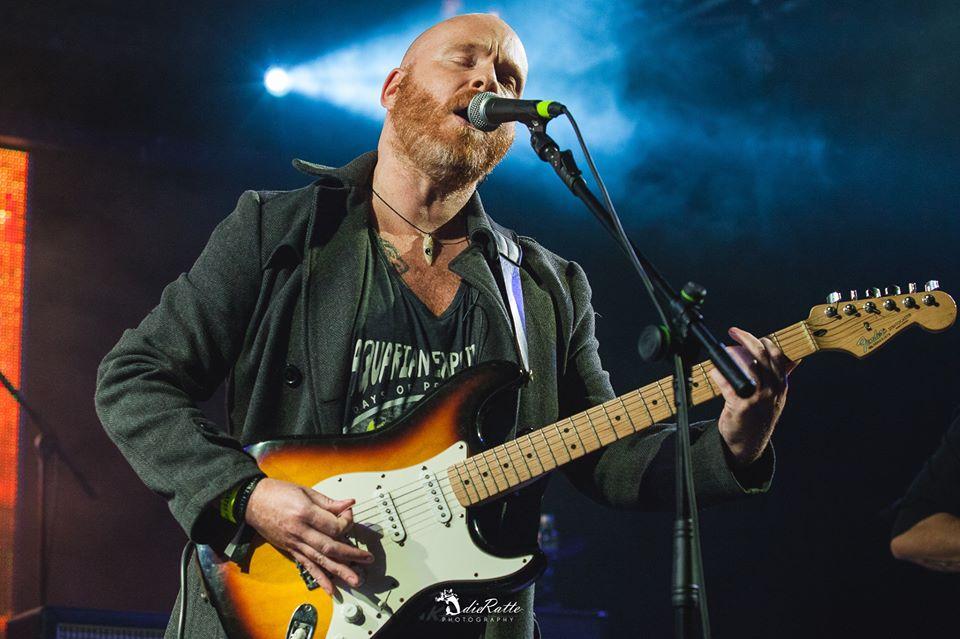 Mick Moss live photo