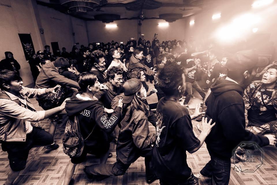 Napal crowd