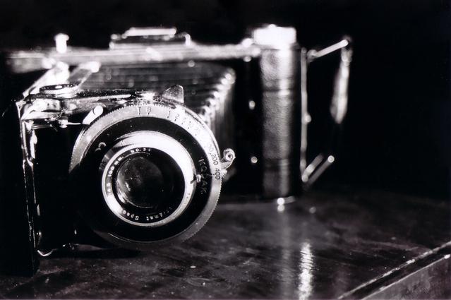 old-camera-1421654-639x424