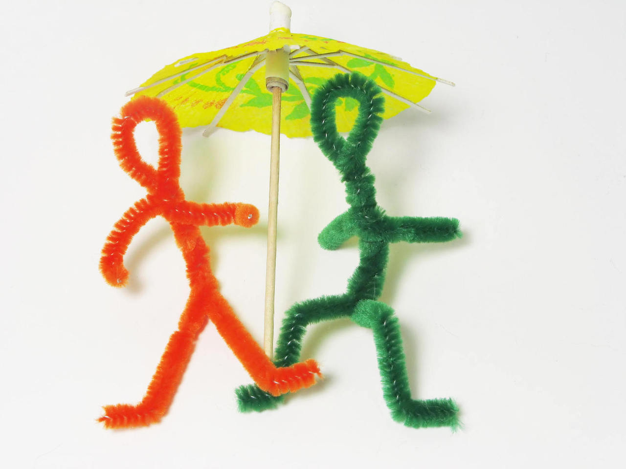 pipe-cleaner-people-1177072-1280x960