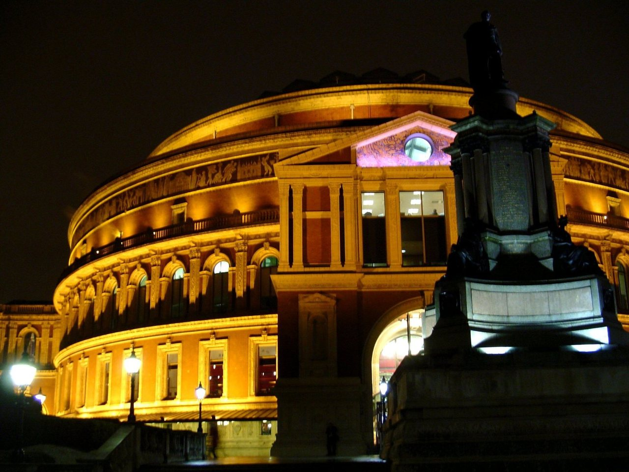 royal-albert-hall-london-by-night-1207457-1280x960